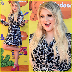 Meghan Trainor Hits the Kids' Choice Awards 2015 Orange Carpet!