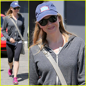 Renee Zellweger is One Happy Gym Goer in Beverly Hills
