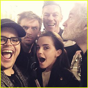Emma Watson & 'Beauty' Cast Take First Group Photo!