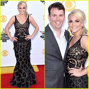 Jamie Lynn Spears & Husband Jamie Watson Work the Red Carpet at ACM Awards 2015