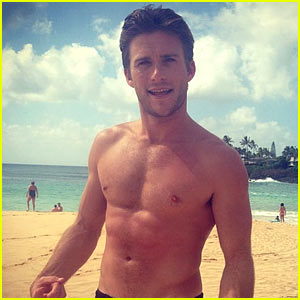 Scott Eastwood Reveals Why He Turned Down 'Fifty Shades'