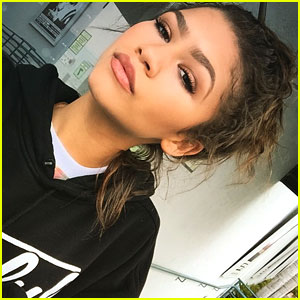 Zendaya Wants Positive Changes On 'Fashion Police'