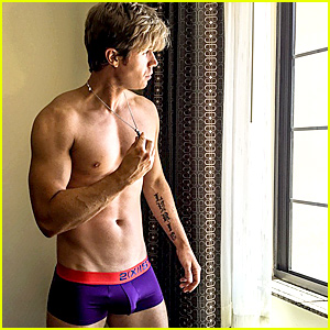 Ashley Parker Angel Leaves Little to the Imagination i