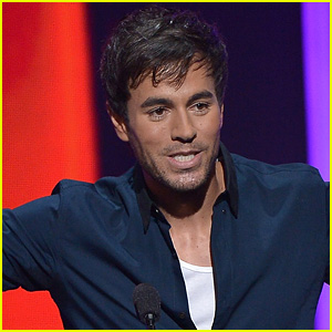 Enrique Iglesias Injured by Drone During His Concert (Video)
