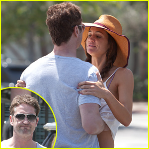 Gerard Butler Gets Very Handsy with His Girlfriend
