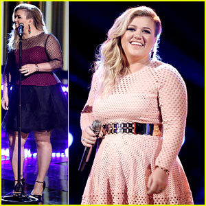 Kelly Clarkson Performs Twice on 'The Voice' Finale (Video)