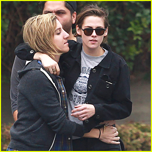 Kristen Stewart & Alicia Cargile Have Their Hands All Over Each Other on Memorial Day