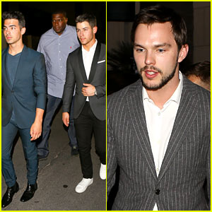 Nicholas Hoult & Jonas Brothers Suit Up for Big Fight in Vegas