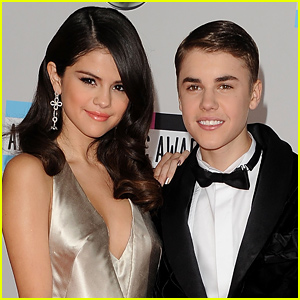 Selena Gomez & Justin Bieber Reunite in This New