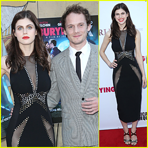 Alexandra Daddario Goes Commando at 'Burying the Ex' Hollywood Screening