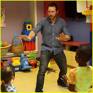 Chris Pratt Teaches Sick Children How to Train Velociraptors!