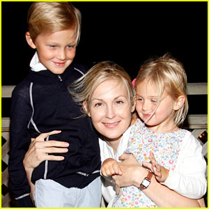Kelly Rutherford's Kids Will Spend the Summer in the U.S.