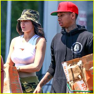 Kylie Jenner & Boyfriend Tyga Shop the Supermarket Together