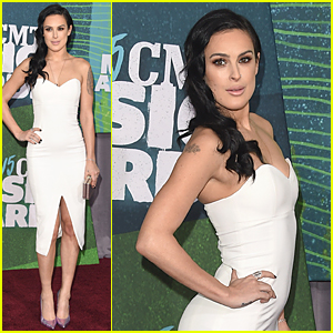 Rumer Willis Looks White Hot at CMT Music Awards 2015 Red Carpet