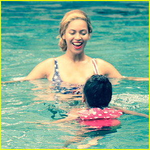 Beyonce Swims with Blue Ivy In This Cute New Photo!