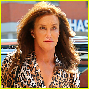 Caitlyn Jenner Is Still Getting the Hang of Putting on Nail Polish - Watch Now!