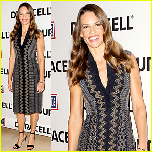 Hilary Swank Puts Movie Career On Hold to Care For Her Ill Father