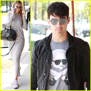 73c0ac5b53e6e Gigi Hadid shows off her low key style while arriving for lunch with  boyfriend Joe Jonas in Los Angeles on Thursday afternoon (July 23).