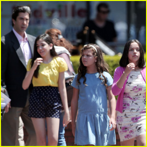 Young Actresses Dress as Kardashian Sisters for 'American Crime Story' Filming