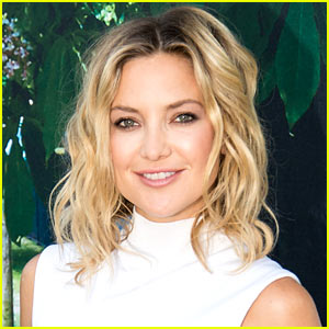 "Kate Hudson & Her Son Ryder Dance to ""Trap Queen"" (Video)"