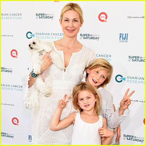 Kelly Rutherford Walks Red Carpet With Her Adorable Kids!