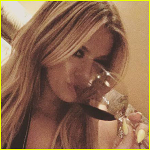 Khloe Kardashian to Host Talk Show 'Kocktails with Khloe'!