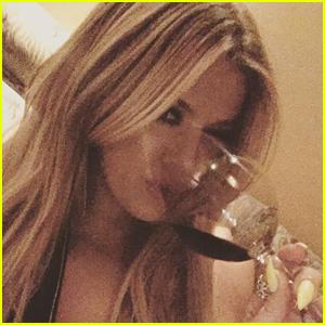 Khloe Kardashian to Host Talk Show 'Kocktails with Khloe'!