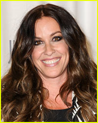 Alanis Morissette Admits Struggles With Eating Disorder