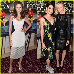 Alison Brie Shows Off Her Engagement Ring at 'Sleeping With Other People' Screening!