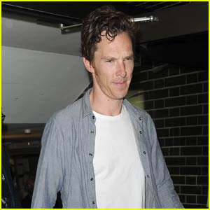 Benedict Cumberbatch Gets Mobbed by Fans After 'Hamlet'
