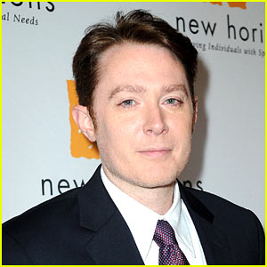 Clay Aiken Thinks No One Should Disc