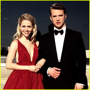 freddie stroma dating Freddie stroma is dating 'unreal' co-star johanna braddy freddie stroma has a new girlfriend and it just so happens to be someone he was romancing on the lifetime series unreal - his co-star johanna braddy.