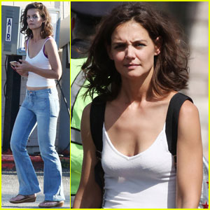 Katie Holmes Gets a Visit From Her Mom Kathleen on Set