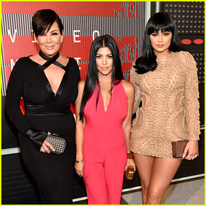 Kourtney Kardashian & Kylie Jenner Attend MTV VMAs 2015 with Mom Kris!