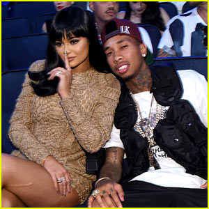 Kylie Jenner & Boyfriend Tyga Couple Up at MTV VMAs 2015