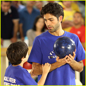 Adrian Grenier in 'Sex, Death & Bowling' - Exclusive Trailer Premiere!