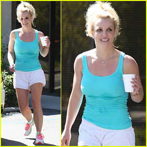 Britney Spears Surprises Young Dancers & Teaches A Class!