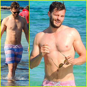 Jamie Dornan Shows Off His Hot Shirtless Body in Ibiza!