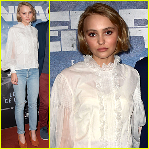Lily-Rose Depp Is Super Chic In Her Casual Premiere Look