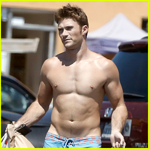 Scott Eastwood's New Shirtless