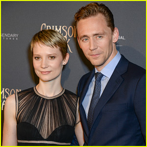 Tom Hiddleston & Mia Wasikowska Premiere 'Crimson Peak' in Paris!