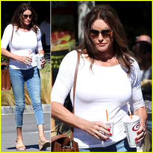 Caitlyn Jenner Wears Cropped Skinny Jeans for Smoothie Run