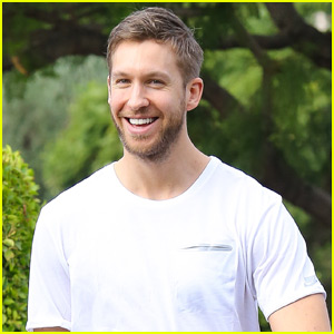 Calvin Harris Supports Girlfriend Taylor Swift at Miami Concert!