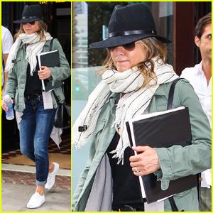 Jennifer Aniston Doesn't Like Riding on Husband Justin Theroux's Motorcycle