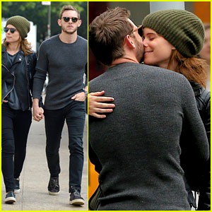 Kate Mara & Jamie Bell Are Not Afraid to Show Off PDA!