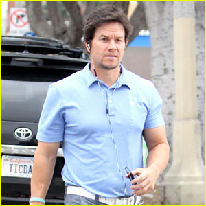 Mark Wahlberg Steps Out for Breakfast in a Tight Shirt & Pants | Mark ...