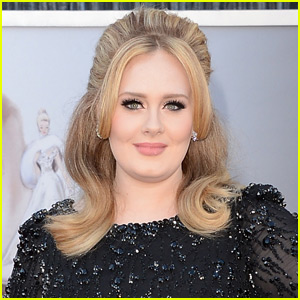 Adele Makes History & Sells 3.38 Million Copies of '25' in First Week