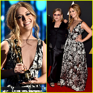 Billie Lourd Accepts Her Grandma Debbie Reynolds' Honorary Oscar at Governors Awards 2015!