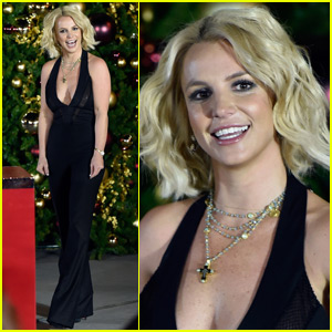 Britney Spears Gets Ready for the Holidays at Christmas Tree Lighting