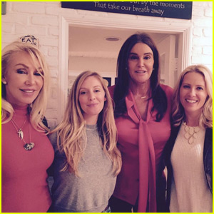 Caitlyn Jenner Also Spends Thanksgiving With Ex Linda Thompson & Their Sons Brody & Brandon!